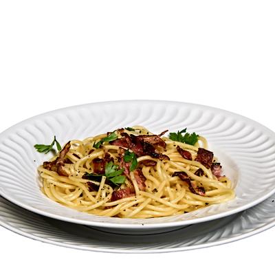 Espaguettis con Huevo y Bacon