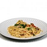 Espaguettis con Tomate y Anchoas